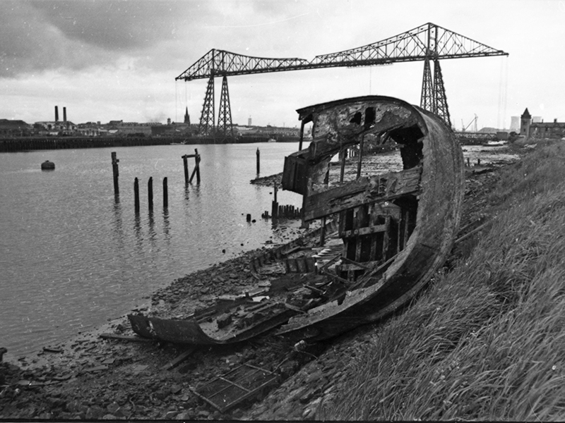 Richard Gaunt rotting boat photo
